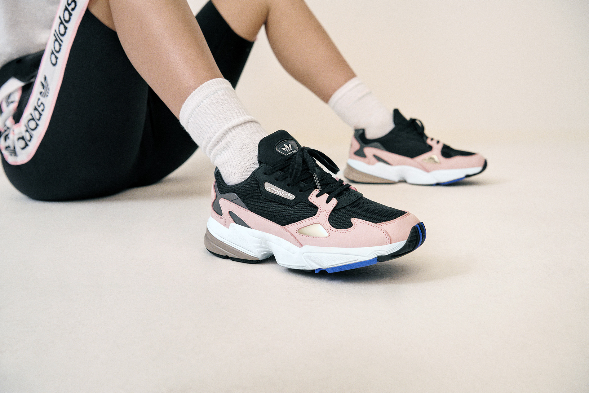 adidas originals falcon noir